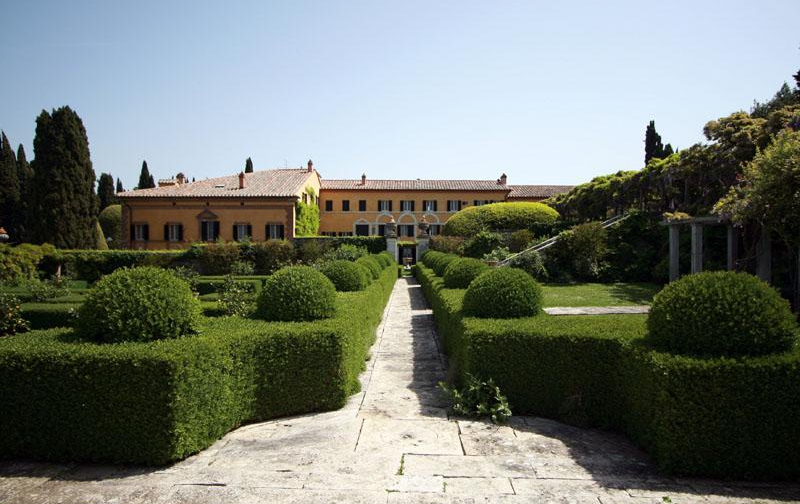 Villa storica con giardino all 39 italiana - Giardino all italiana ...